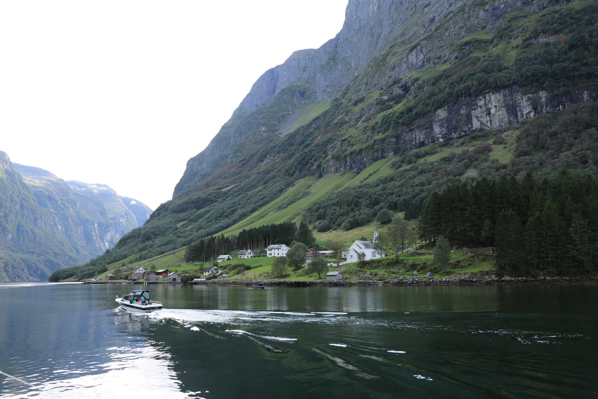 Einige der Fjorde sind miteinander verbunden, sodass manchmal Rundtörns möglich sind.