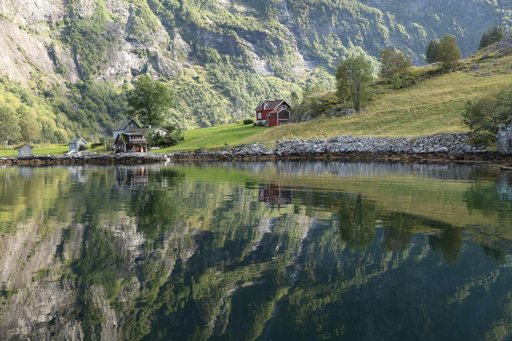 Auch die gesamte Region des Sognefjord gehört zum UNESCO-Welterbe.