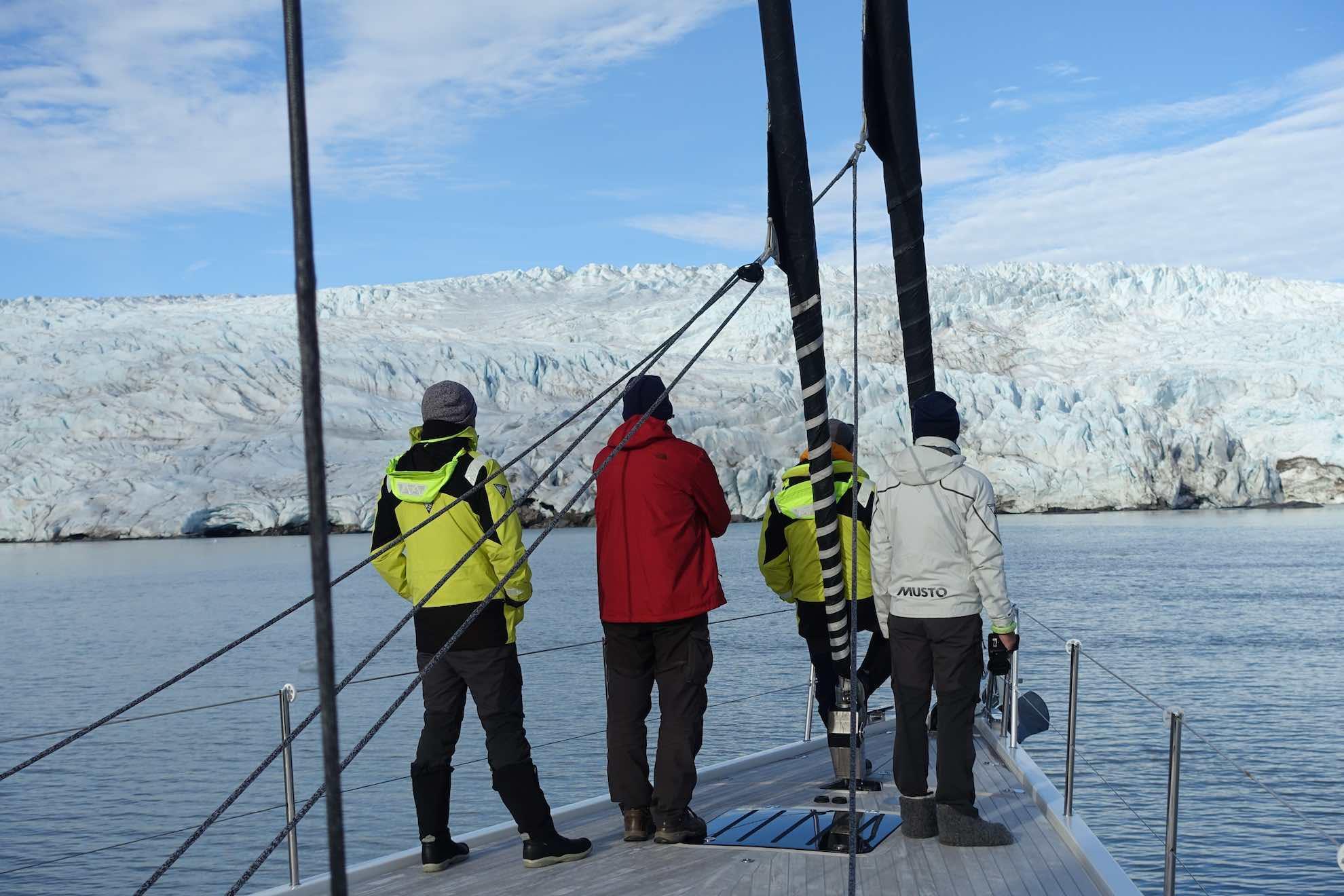 Wir finden einen Platz an der Gletscherkante des Nordenskiöldbreen.