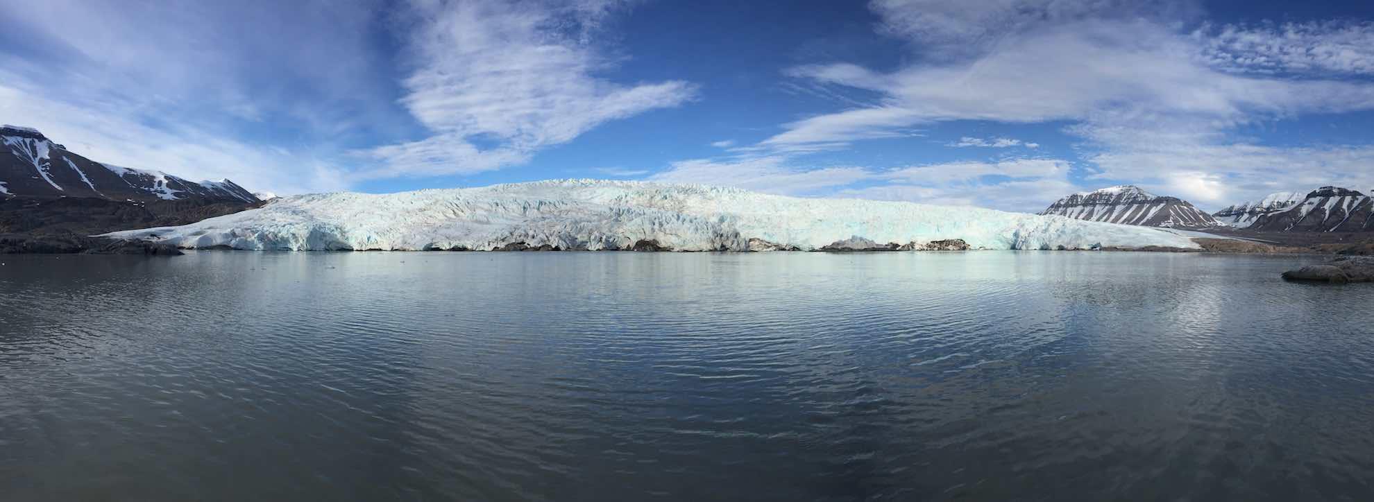 Auch dieser Gletscher hat sich in den vergangenen Jahren zurückgebildet, ...