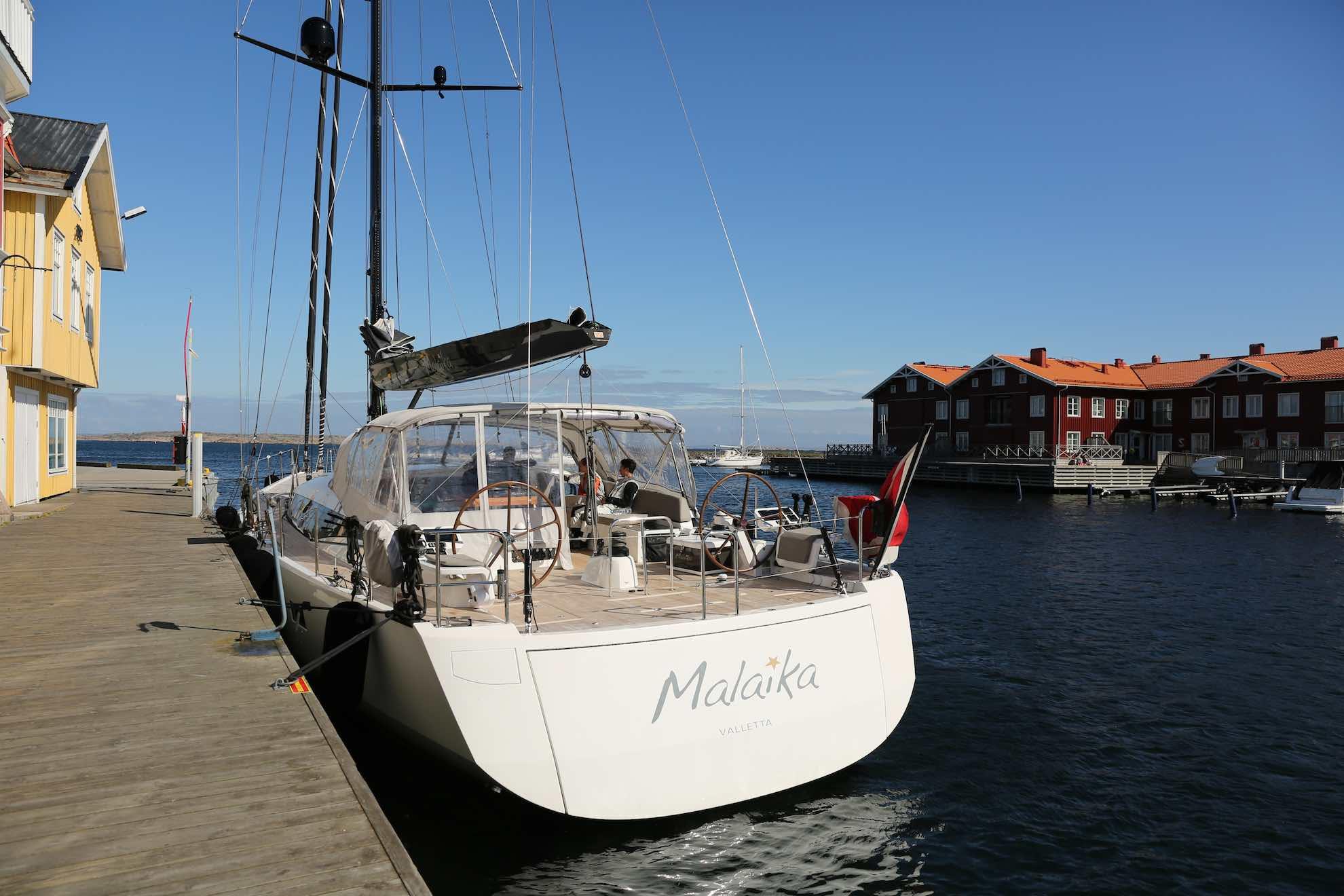Fest und belegt – Malaika an der Pier.