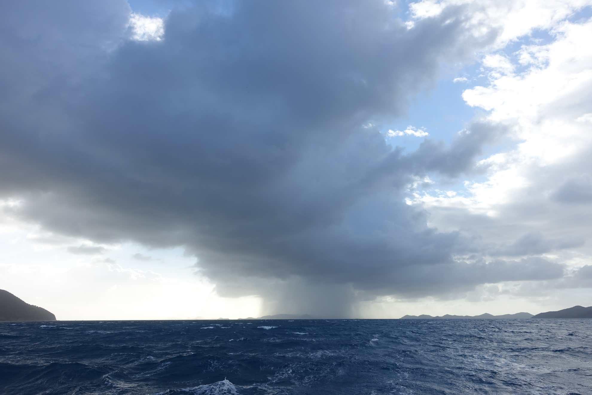 Noch ein paar Squalls (tropische Schauer), dann wird der Himmel aufklaren.