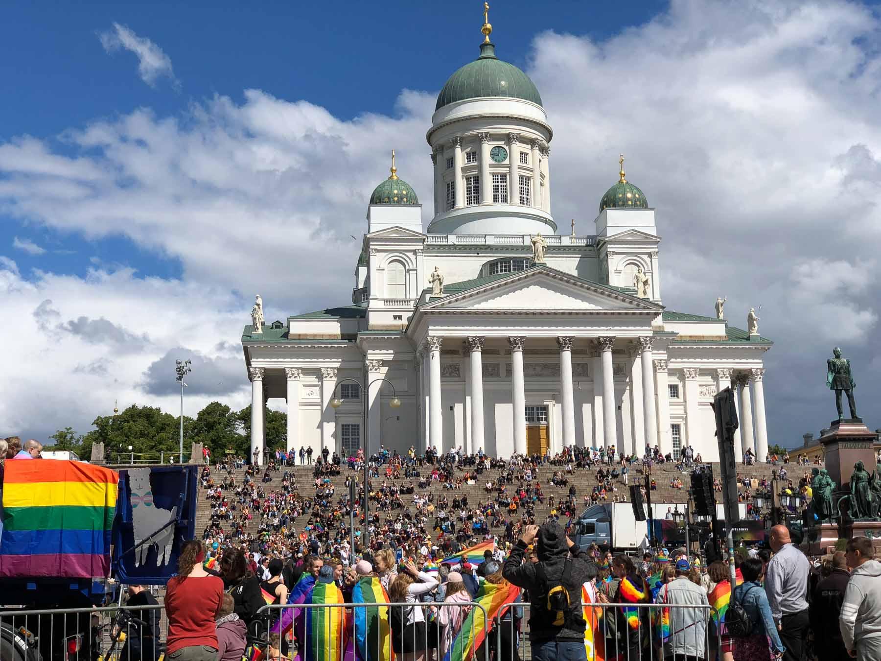 Hnderttausende besuchen jährlich den Dom von Helsinki, das bekannteste Wahrzeichen der Stadt
