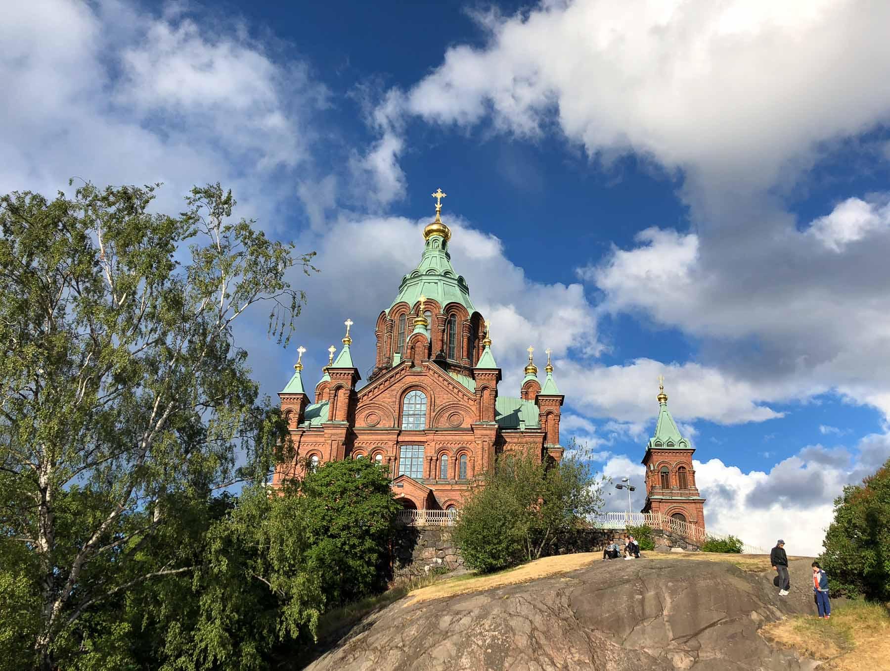 Die orthodoxe Uspenski-Kathedrale liegt im Zentrum Helsinkis