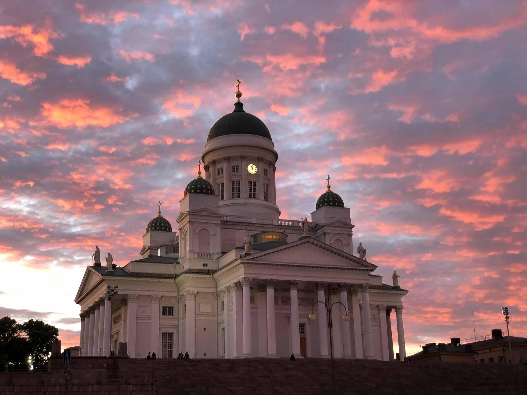 Helsinkis Dom in fantastischem Abendlicht