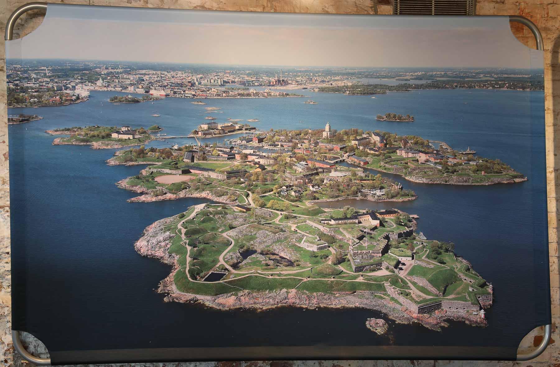 Die Festung liegt auf einer kleinen Inselgruppe vor den Toren Helsinkis