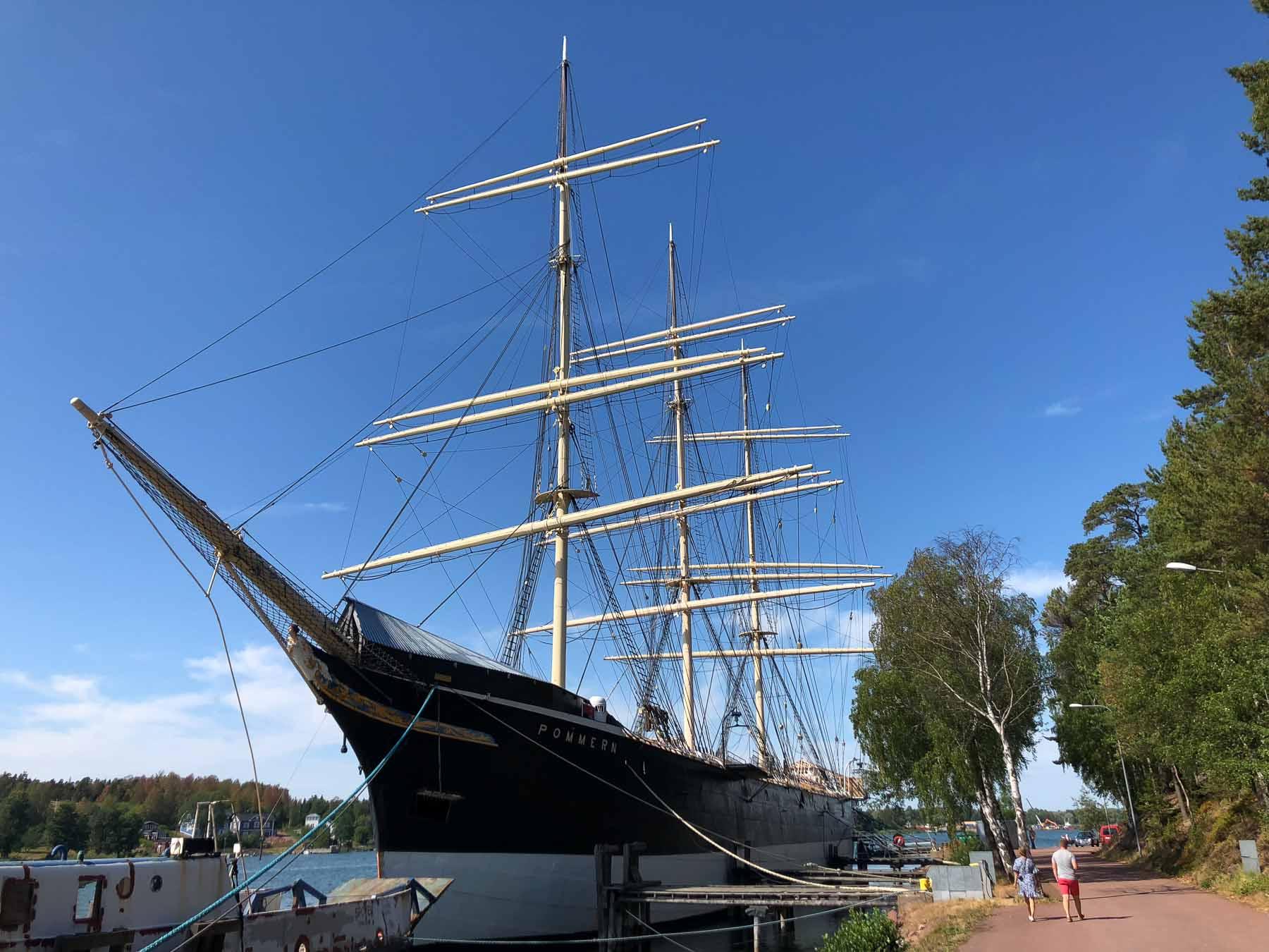 """Die Viermastbark """"Pommern"""" wurde 1903 gebaut. Heute liegt sie als Museumsschiff in Mariehamn"""