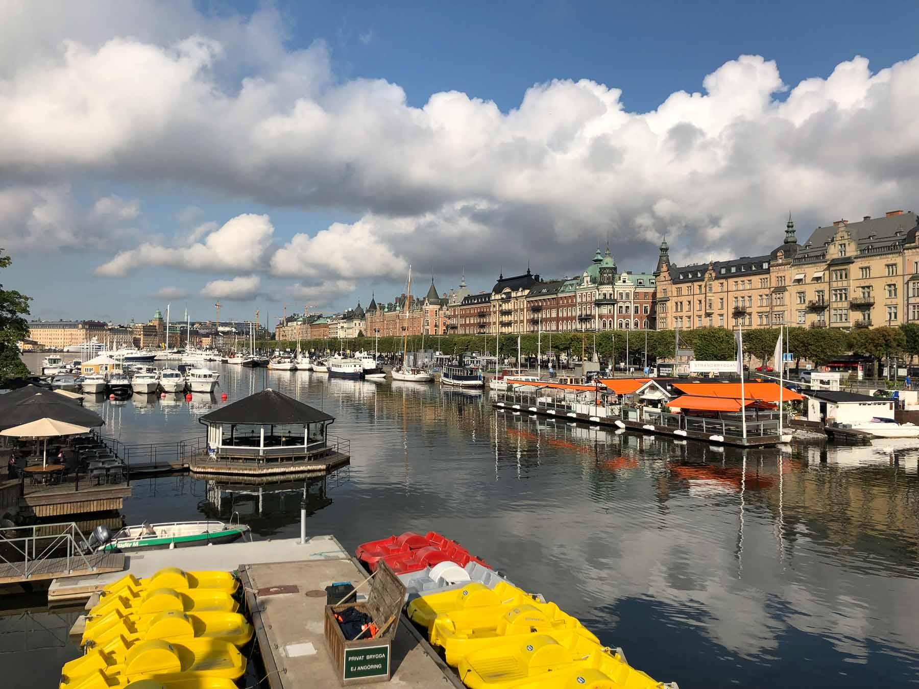 Der wunderschöne Stadthafen von Stockholm