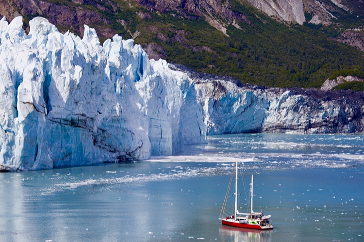 Alaska - With all of the award winning cruise lines at our fingertips, we can help you create your ideal Alaska cruise vacation.