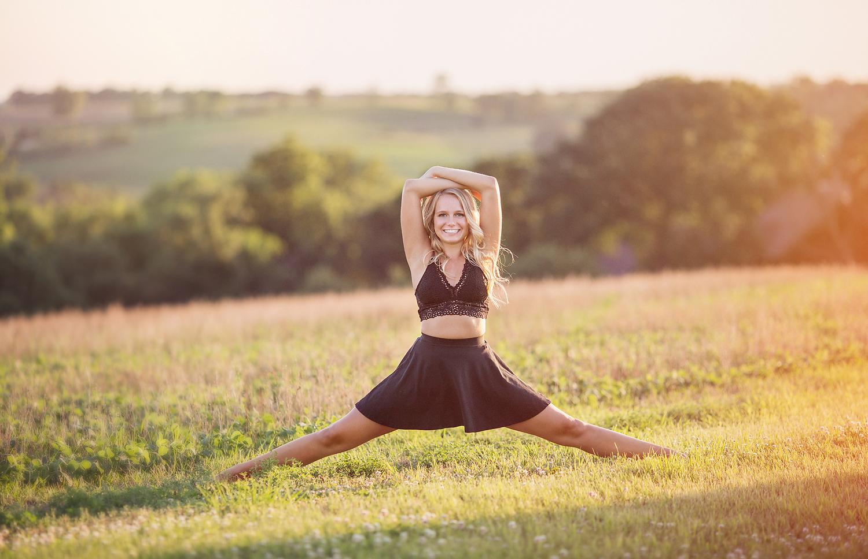 Des-Moines-Dancer-Senior.jpg