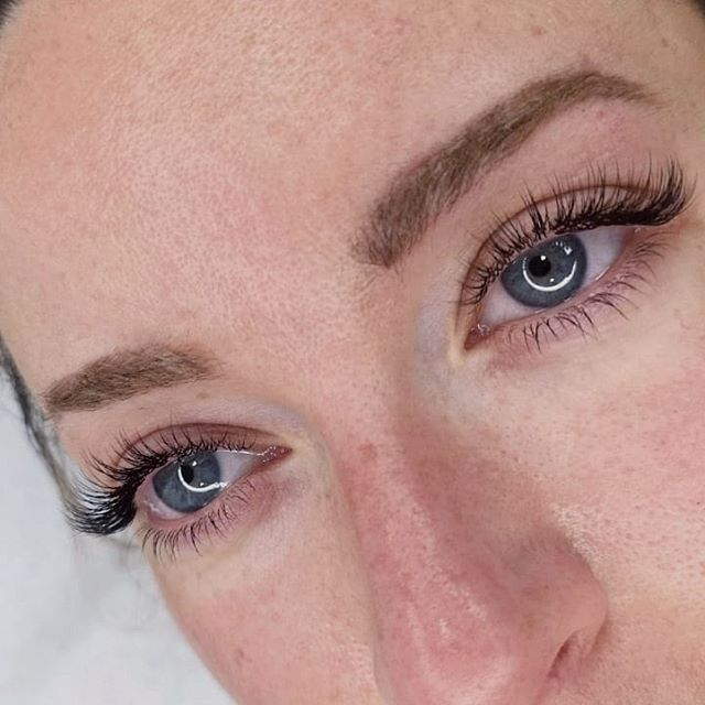 Tb to when I used to a lot more classic lashes. I absolutely adore classic lashes, they are the perfect everyday look, for girlies that use natural makeup on the daily basis.  Book online www.wispylashroom.com