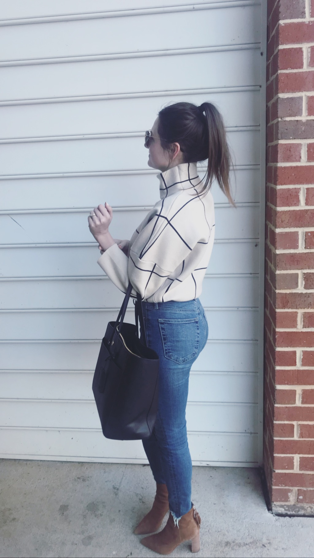 Tory Burch Tote - A bag that has pockets on pockets!
