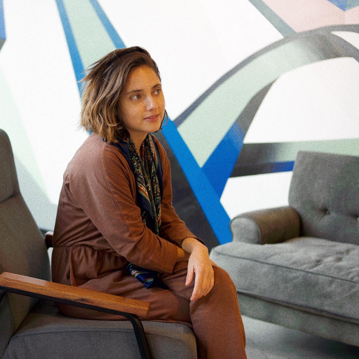 Fernanda Jiménez - Directora de Cultura y Metodología.Ingeniera en Marketing. Ex Directora General de Visual en Arredó Argentina. Cofundadora de Hello Pasto Argentina.