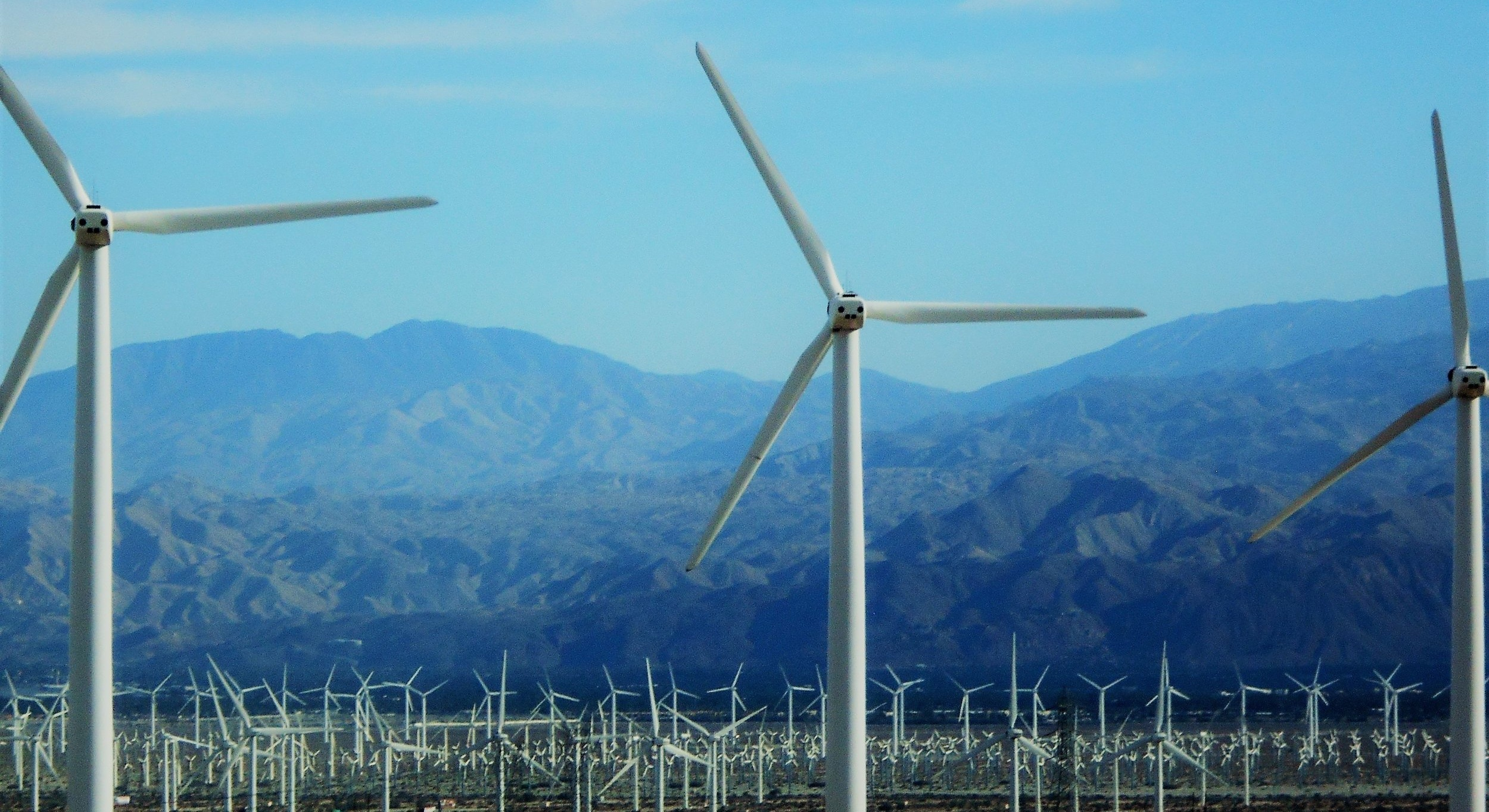 wind-turbines-at-the-wind-farm-in-the-desert-alternative-power-is-generated-by-hundreds-of-wind-at_t20_kowwyr.jpg