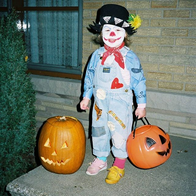 #flashbackfriday to this terrifying Hallowe'en costume that only an '80s baby living life in the '90s could bring to you. ⠀⠀⠀⠀⠀⠀⠀⠀⠀ Should out to my Mum for designing this costume that somehow balances a cute kiddie scarecrow with, like, the OG Joker face. ⠀⠀⠀⠀⠀⠀⠀⠀⠀ 👀 the last photo to see how excited I am going through my haul! ⠀⠀⠀⠀⠀⠀⠀⠀⠀ What was your fav hand made costume as a kid?  Let me know below or, better yet, upload a pic & tag #createrevelryhalloween so I can see them! ⠀⠀⠀⠀⠀⠀⠀⠀⠀ #halloweencostume #halloweenideas #halloweenlover #yqg #chathamkent #yqghandmade #ckont #yqgsmallbusiness #yqgbusiness#yqgmade #diypartydecor  #custommade #partystyling #partyideas #partydecor