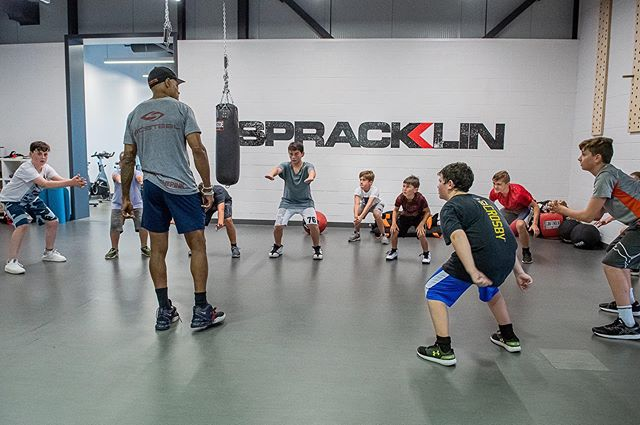 Team off-ice training during the season is so important. Book your team or group training sessions now. Call 514-342-1817 or email info@spracklinperformance.com for more info.