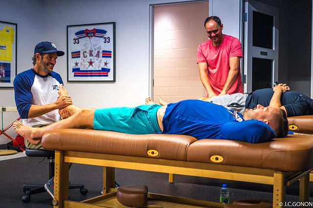 Do you find yourself waking up to little aches and pains? You don't have to be...book an appointment with one of our therapists like @buffalosabres player @scandeezy6  Call 514-342-1817 or email us at info@spracklinperformance.com