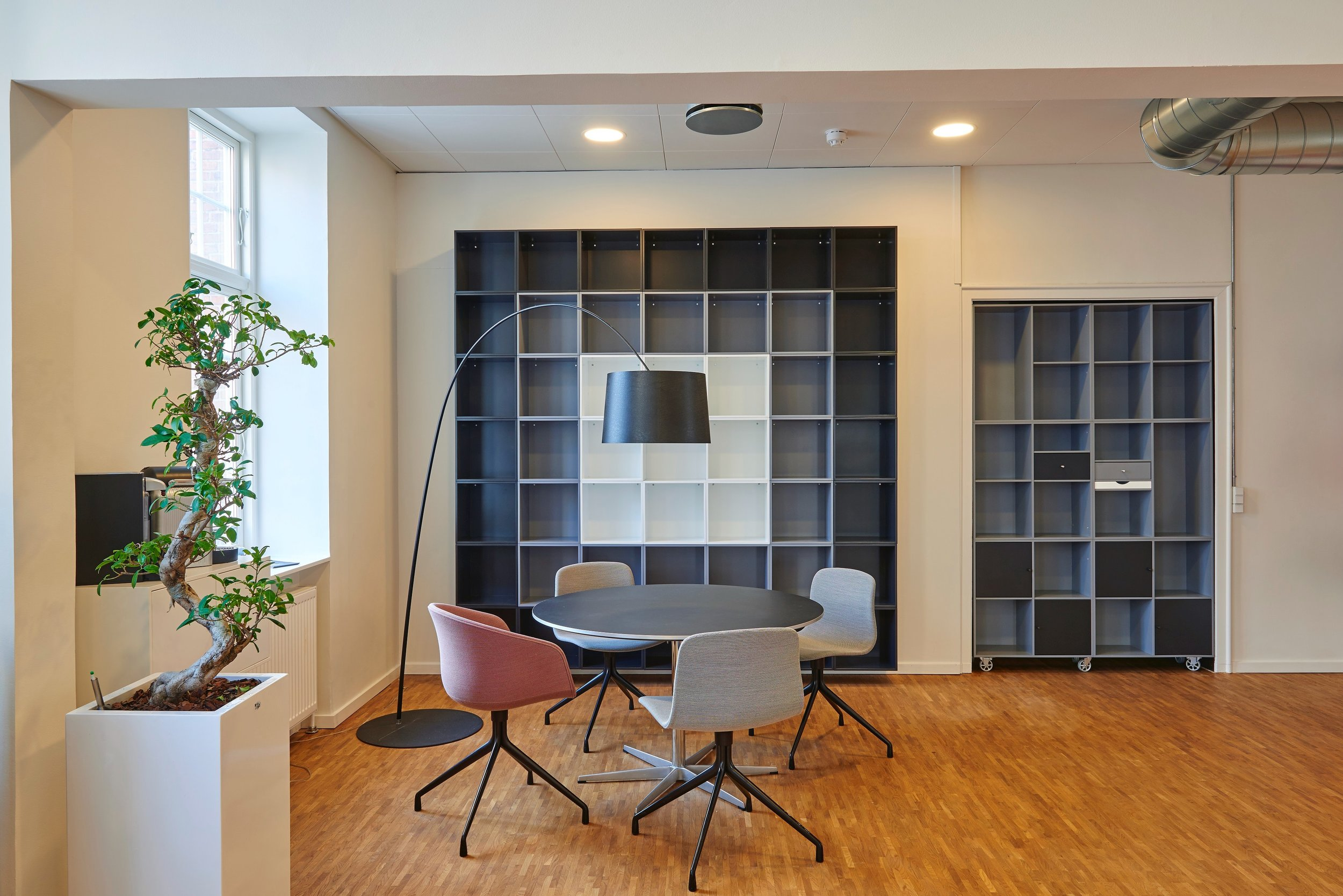 architecture-book-shelves-bookcase-245240.jpg