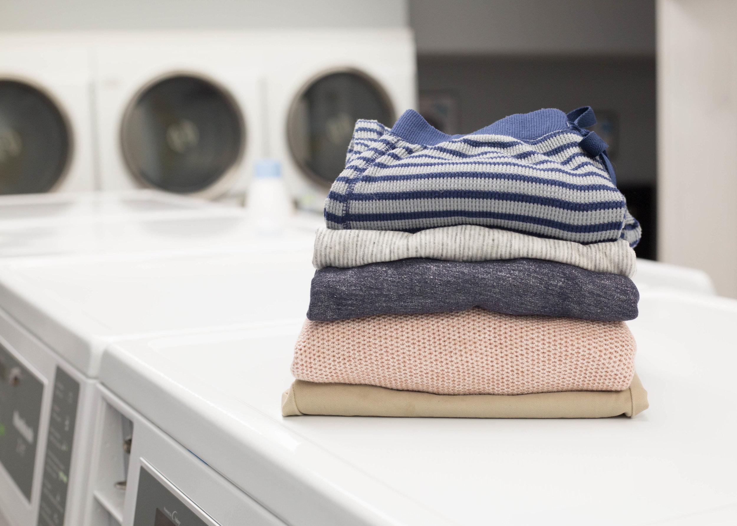 Laundromat Wash & Dry Pricing - 10lb washers . . .$3.50/wash20lb washers. . .$3.50/wash30lb washers. . .$4.50/washDryers. . . . . . . . .$.25/5 minutes