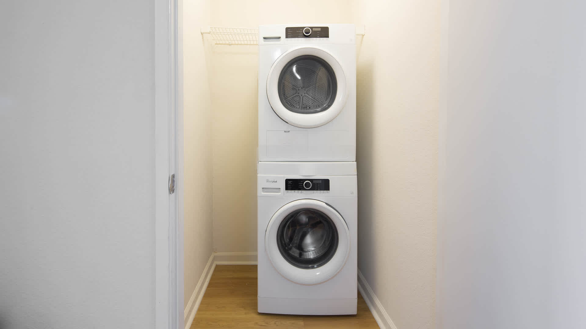 artistry-emeryville-apartments-in-home-washer-and-dryer.jpg