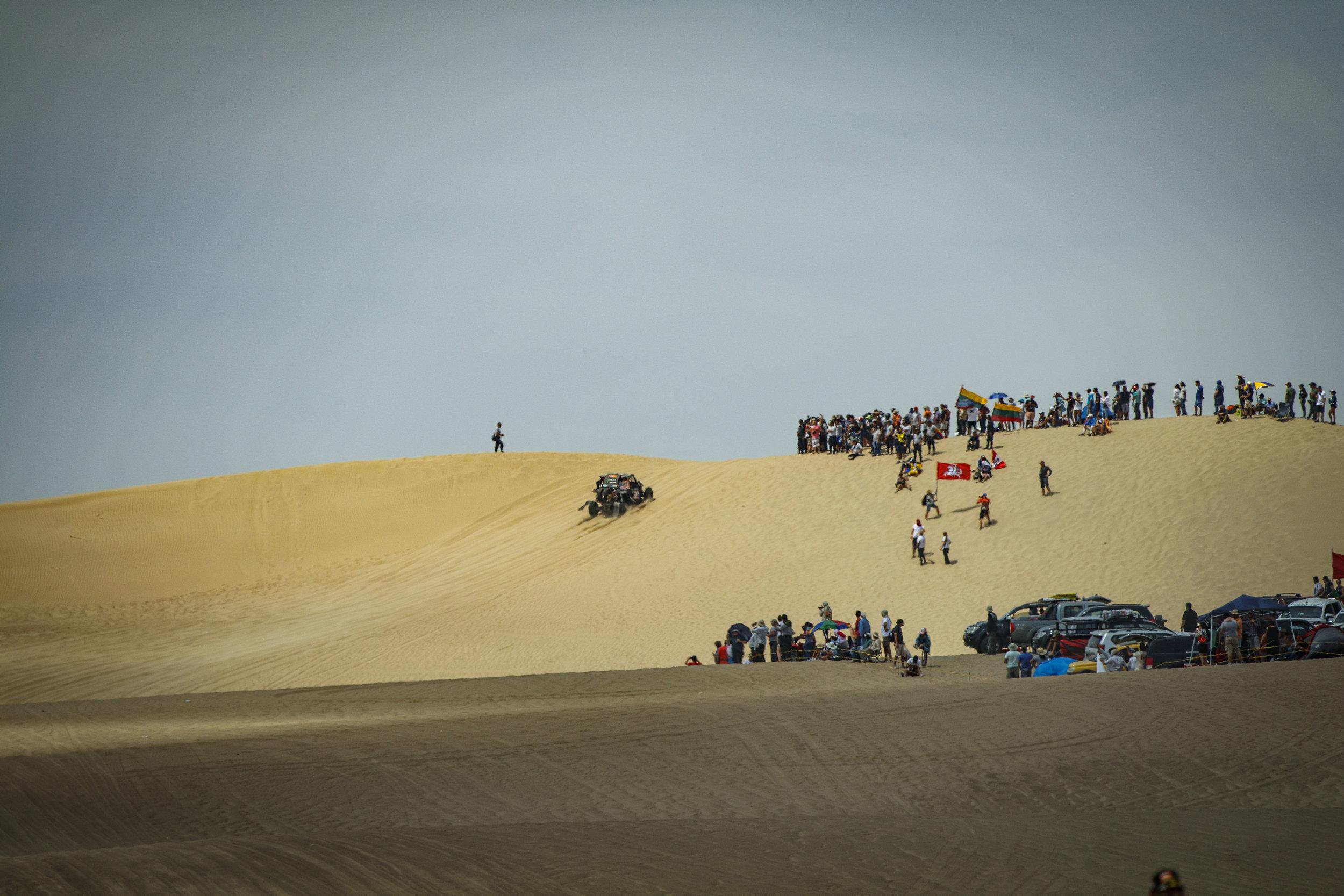 CaseyCurrie_Dakar_PiscoPeru_Stage1_CanAm_16X9_003.jpg