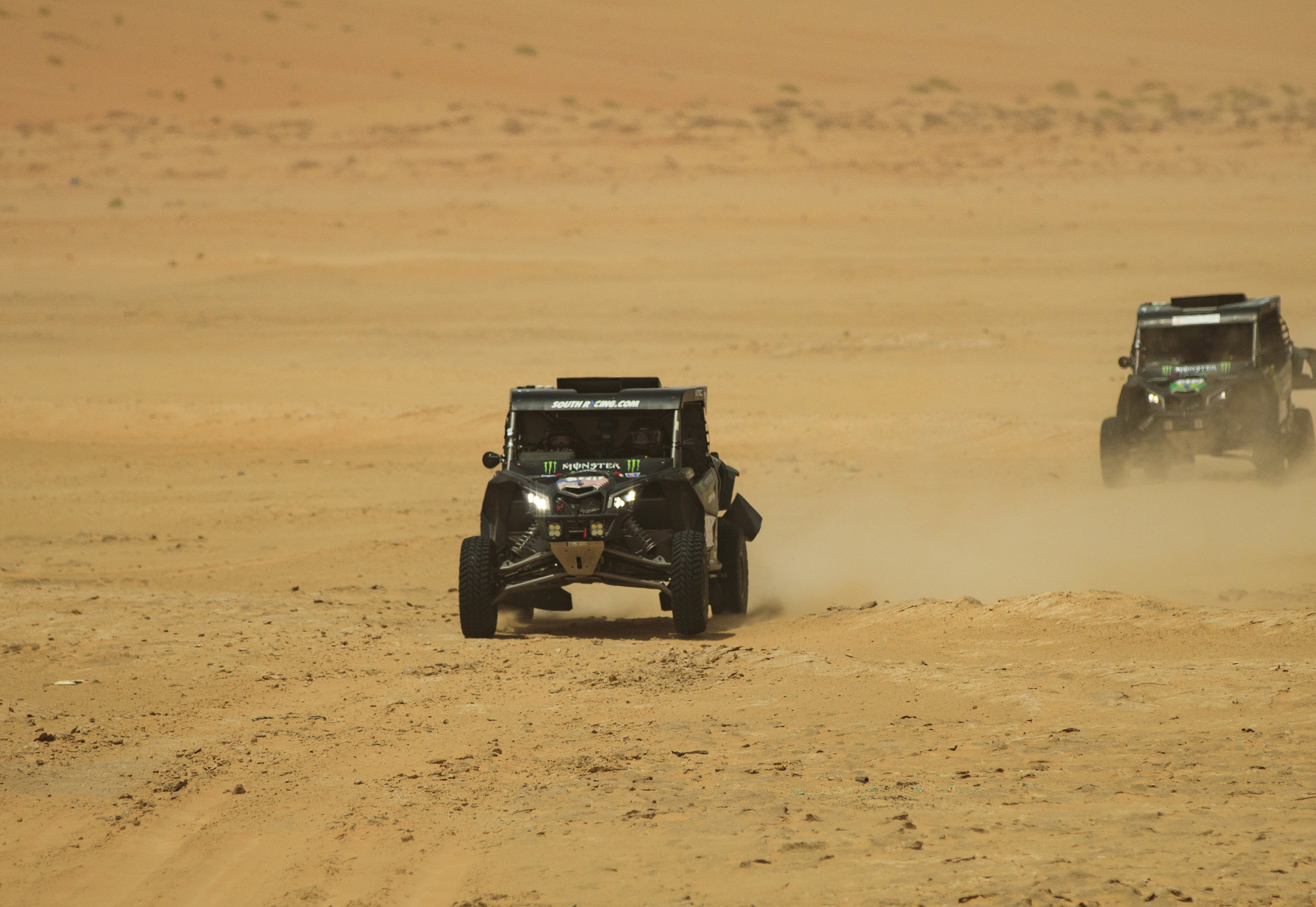 CaseyCurrie_AbuDhabiDesertChallenge_Rally_ Stage2_CanAm_001.jpg