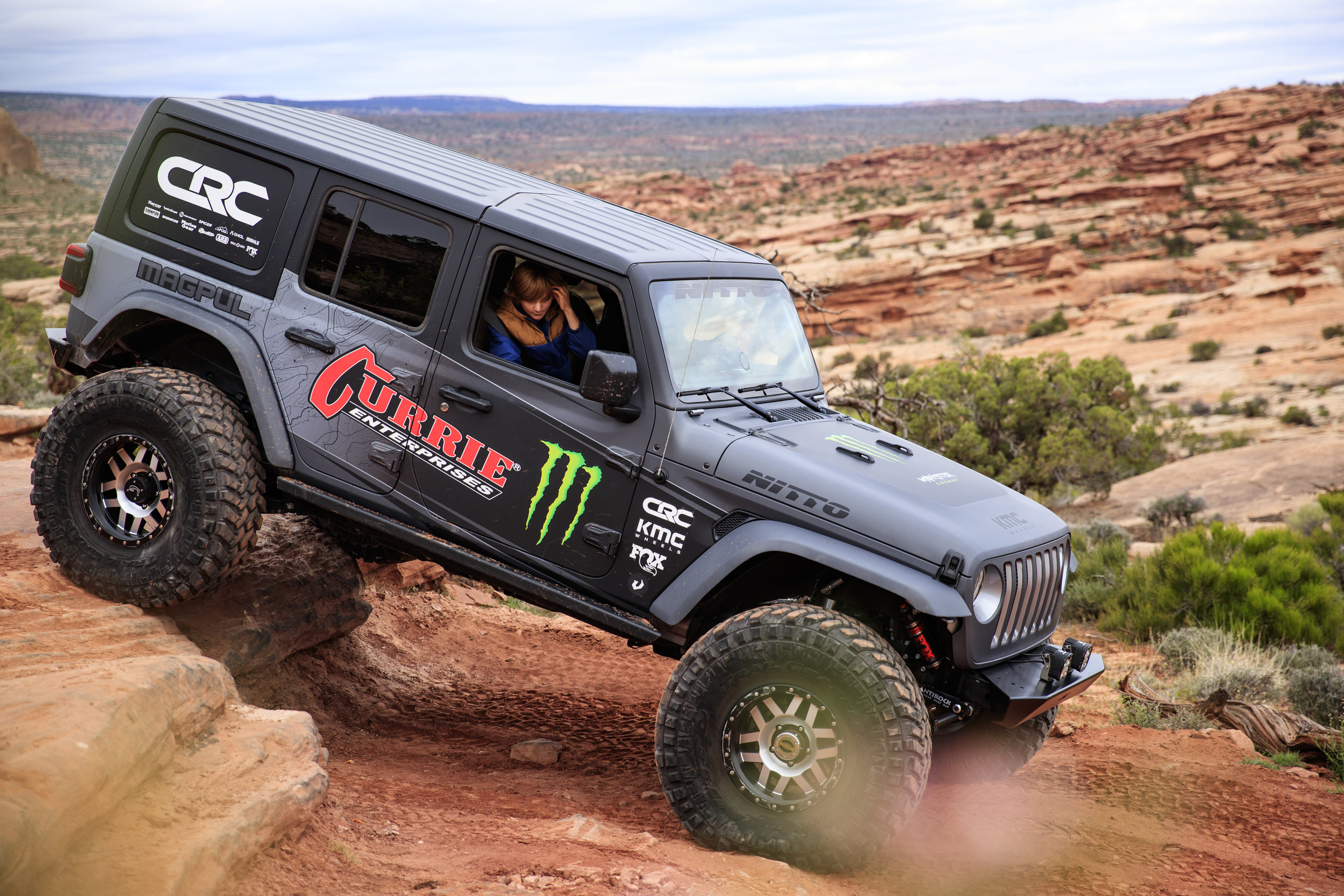4_17_CaseyCurrie_MonsterCurrieJeepJL_MoabEJS_GoldBarRim_006.jpg