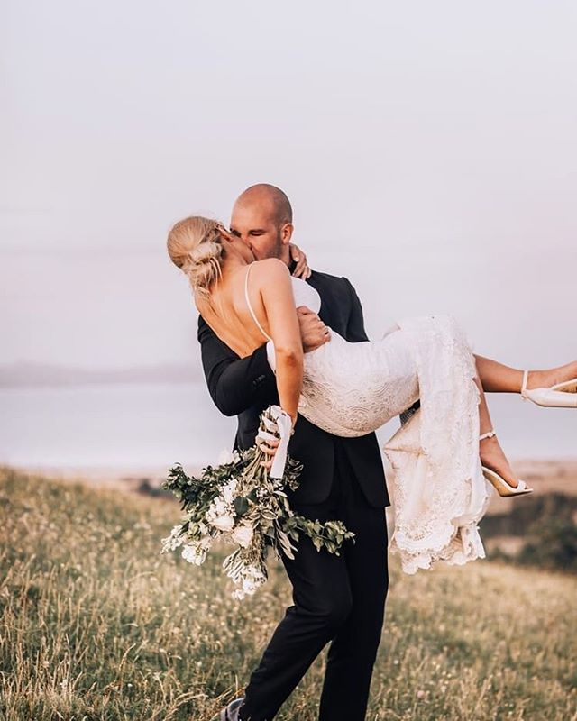 From here to eternity 💫 @modavidson18 and @loskorini captured  at @kauribayboomrock by @annakidmanweddings 💓