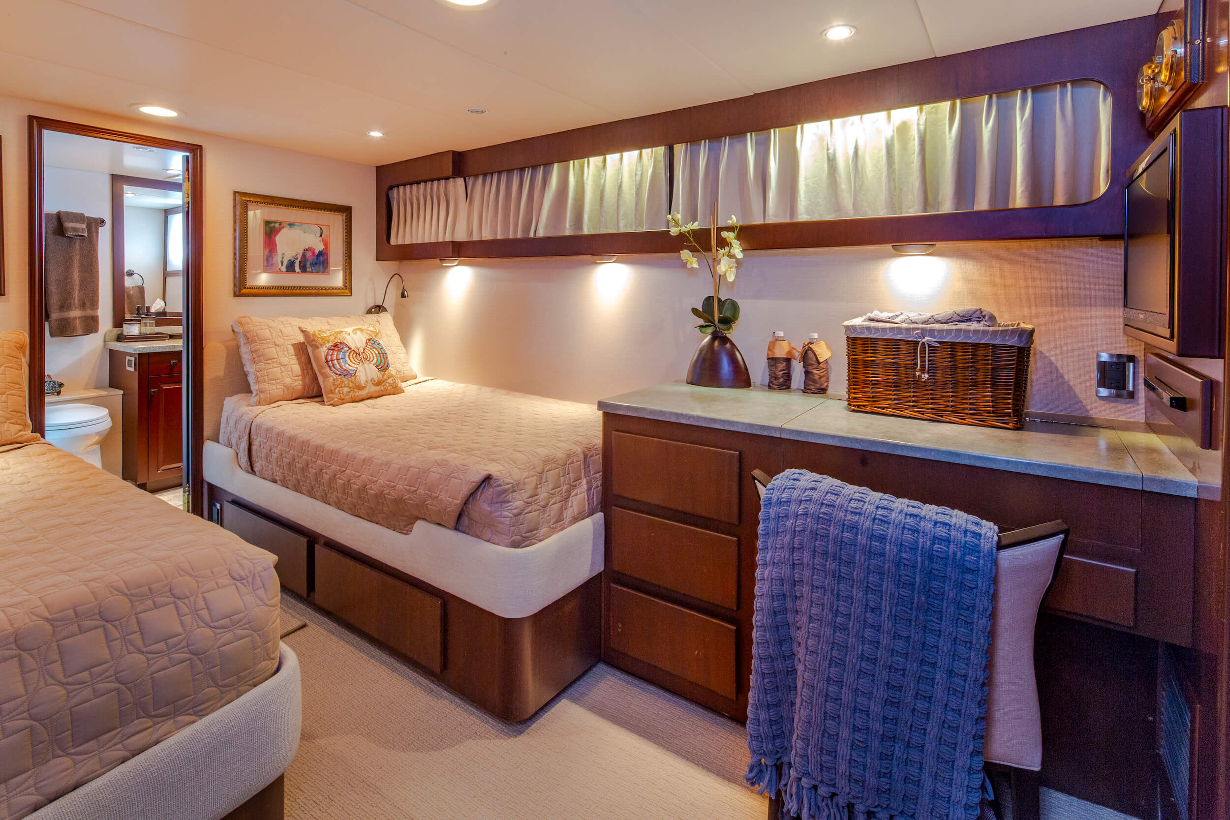Starboard Twin Cabin with desk