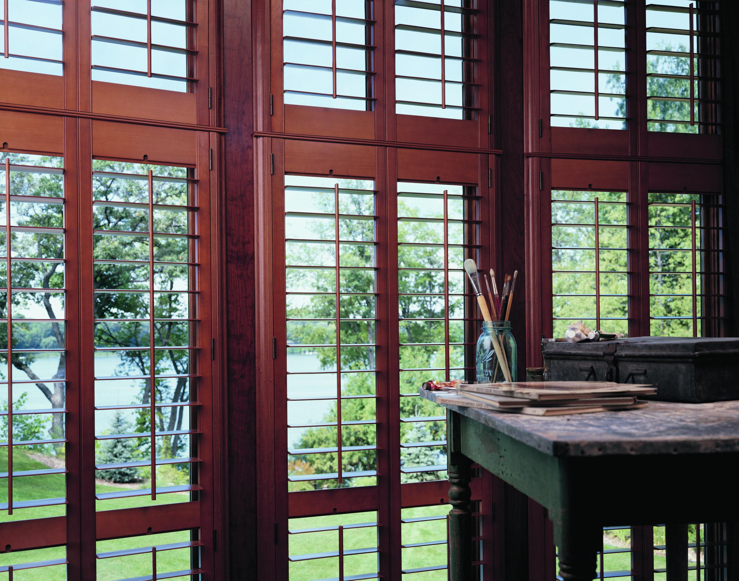 2007_HER_Front Tilt Bar_Hardwood_Living Room.jpeg
