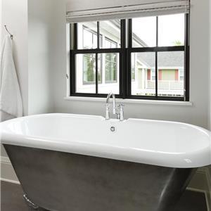 1263_03_Web_bathtub-window.jpg