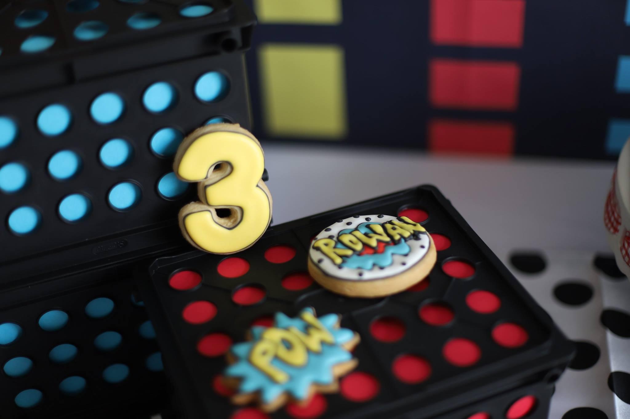 018_superhero_party_cookies.jpg