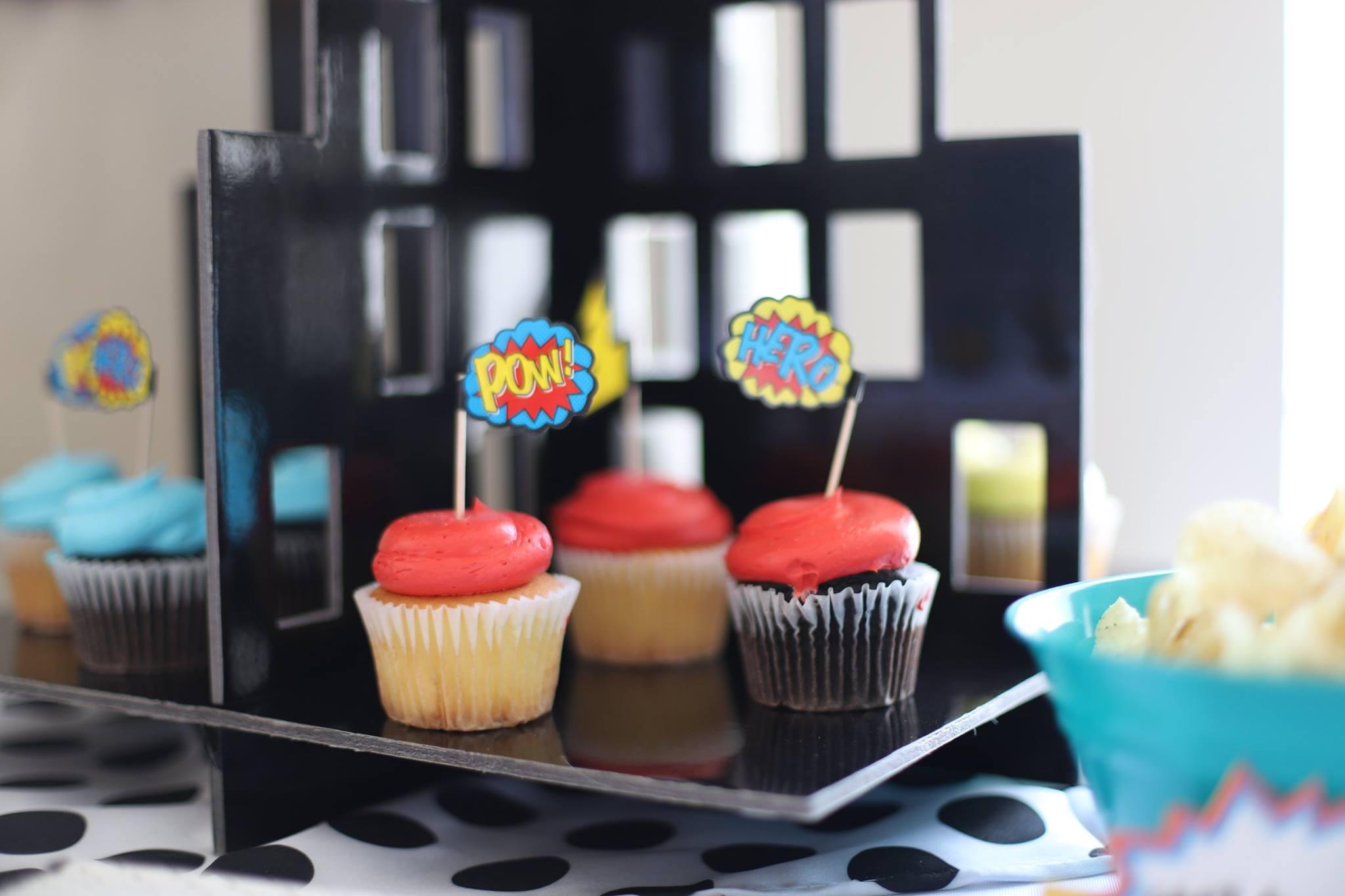 016_superhero_party_cupcakes.jpg