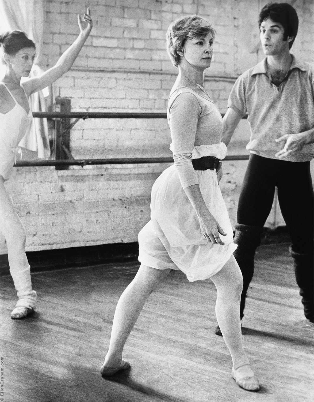 Joanne Woodward, Lichine School of Ballet, Beverly Hills, CA, 1975