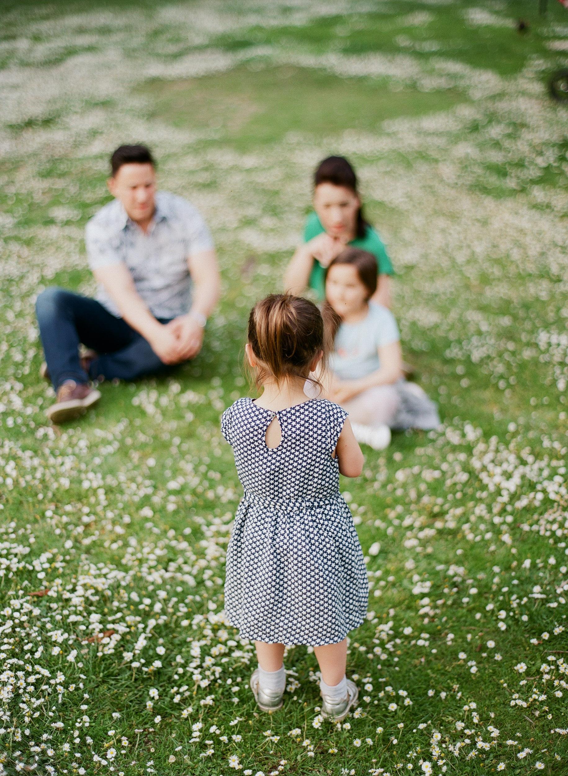 family (6 of 12) - 000077310001.jpg
