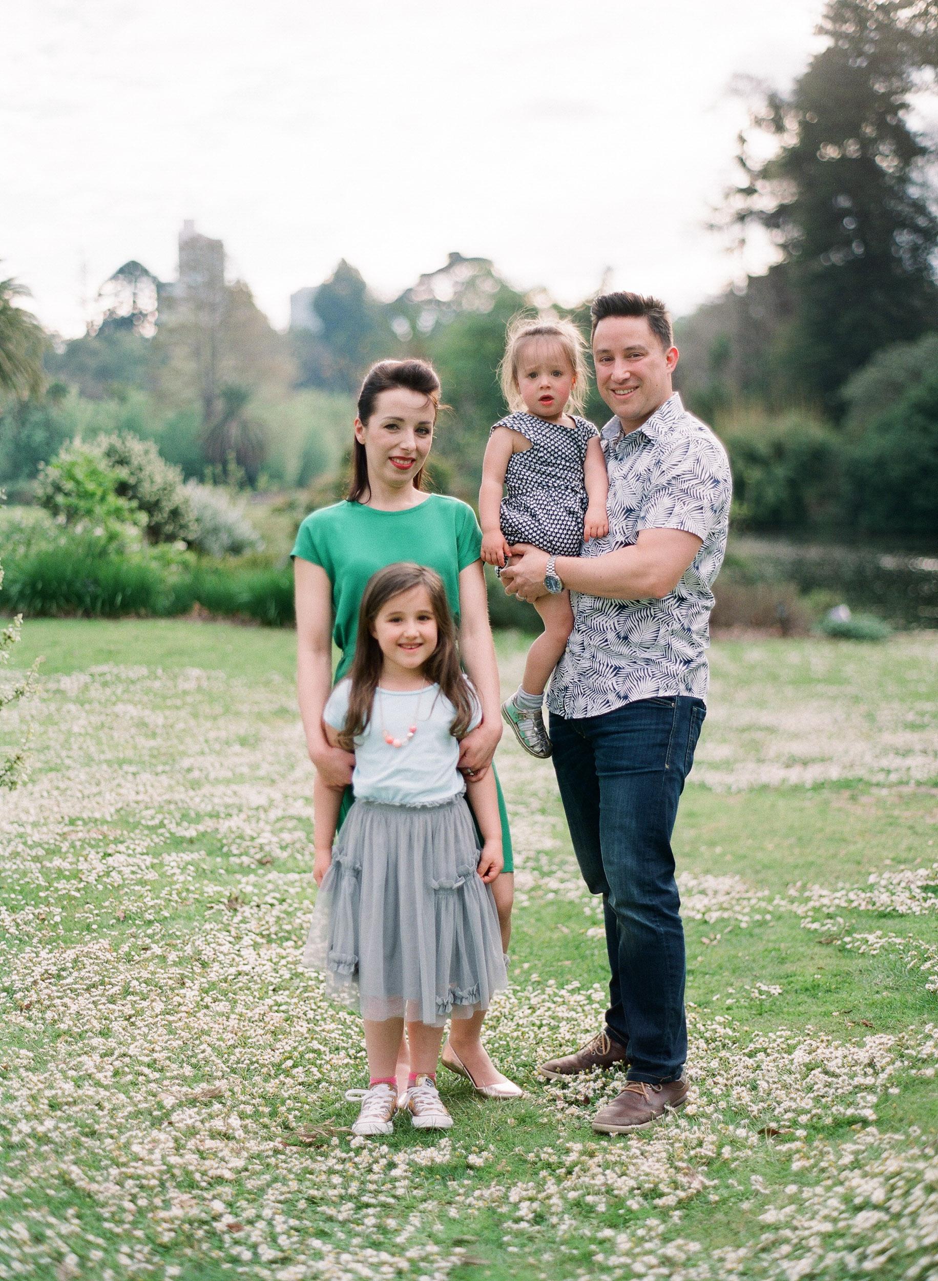family (11 of 12) - 000077320008.jpg