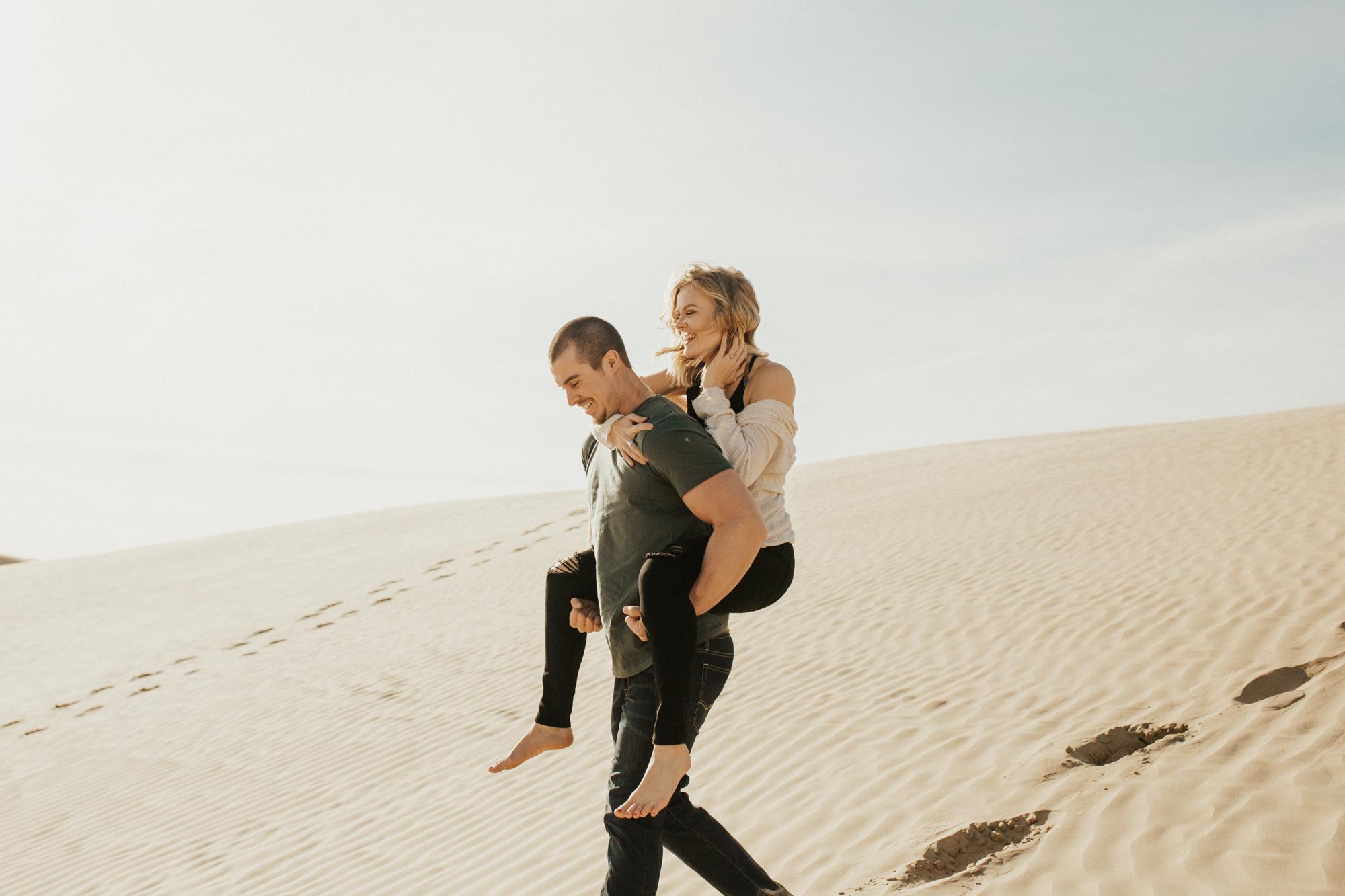 sand dune engagement photoshoot