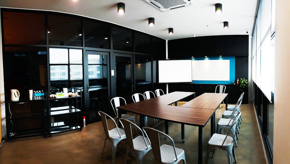 Classroom-wide-02.jpg