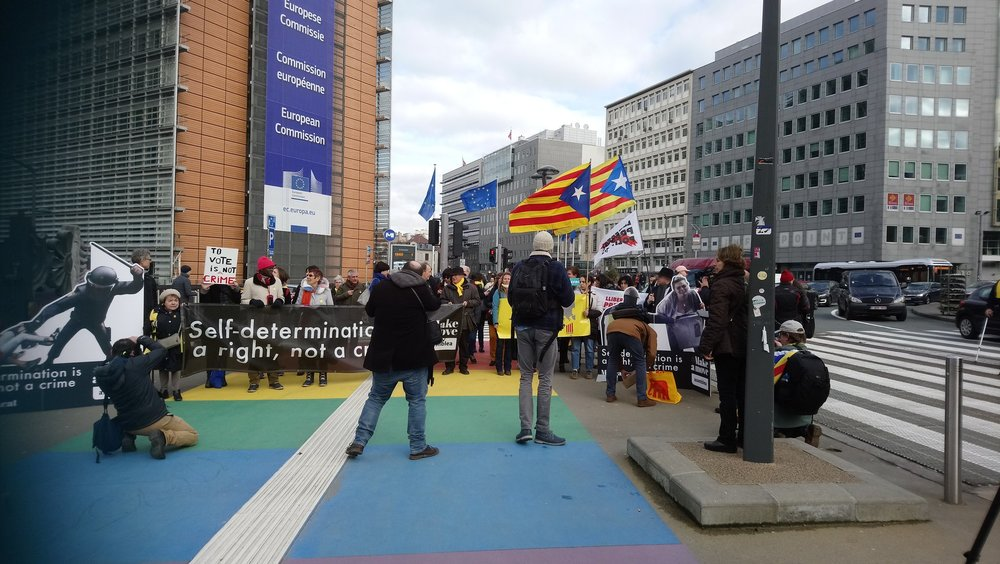 self determinaltion is a right, not a crime - protest in Brussel