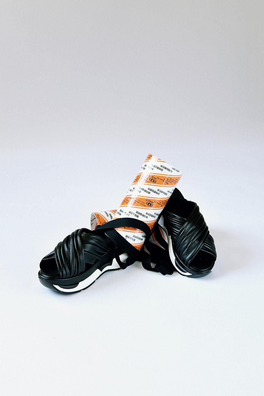 EUDON CHOI 皮革綁帶厚底涼鞋