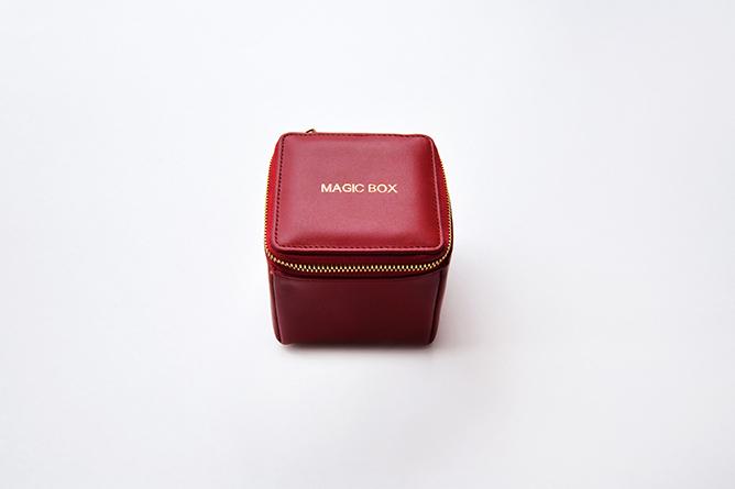 MAGIC BOX_RED_M.jpg