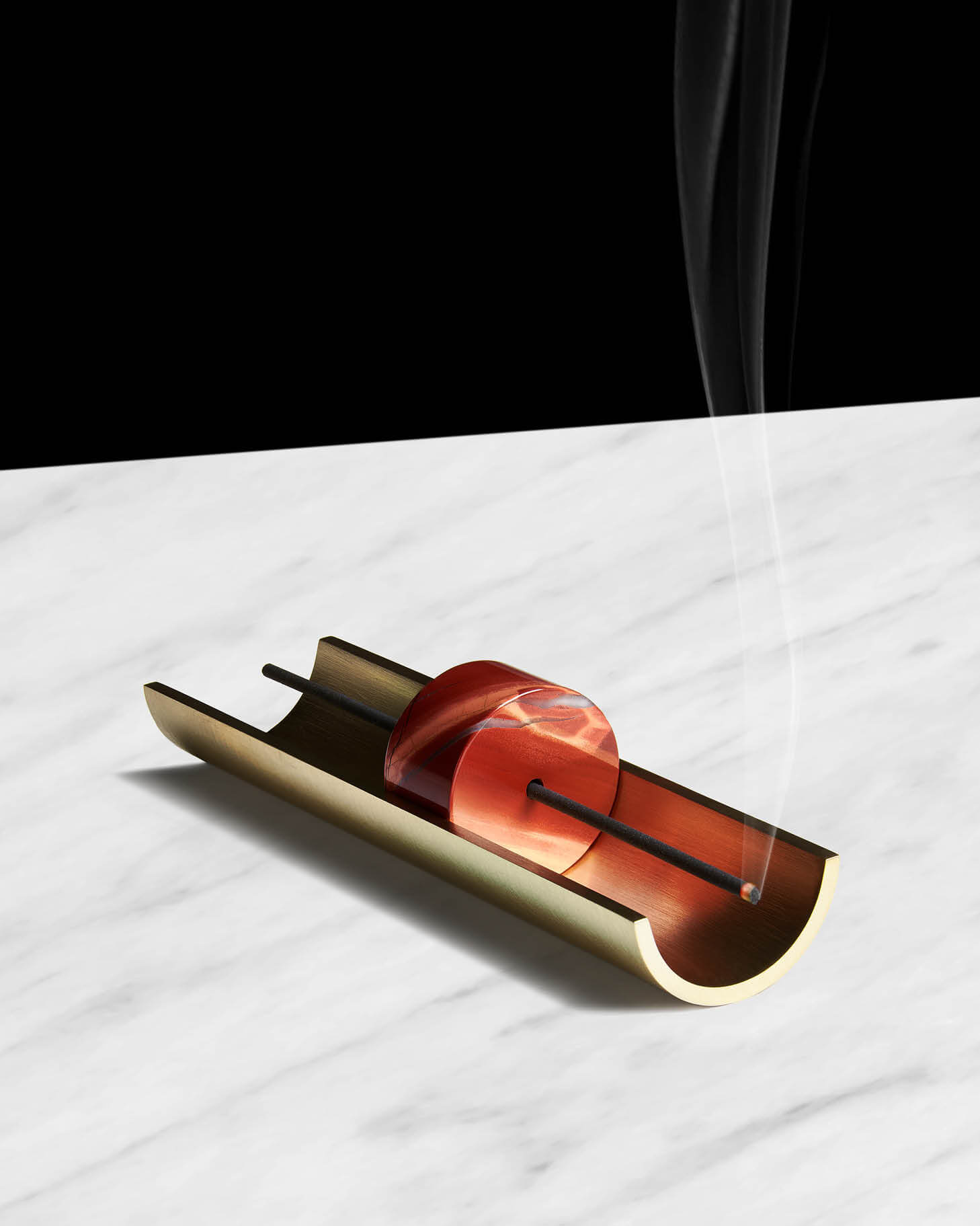 CINNAMON_PROJECTS_INCENSE_BURNER_PLINTH_HERO_WEB.jpg