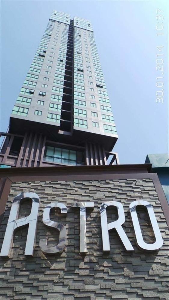 astro-condo-bangkok-59f7f565a12eda7f87009047_full.jpg