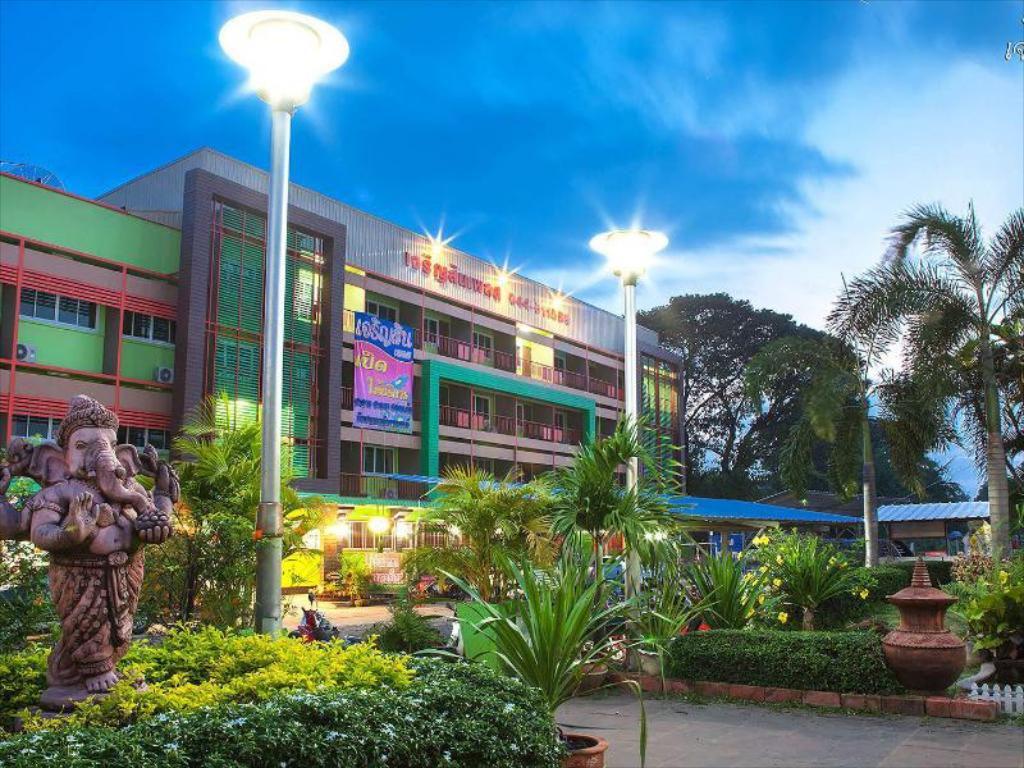 Jaroensin Place Hotel -