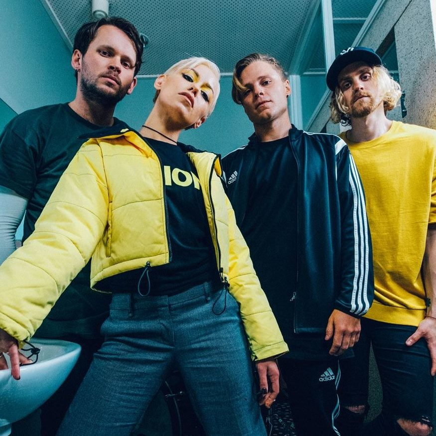 TONIGHT ALIVE -