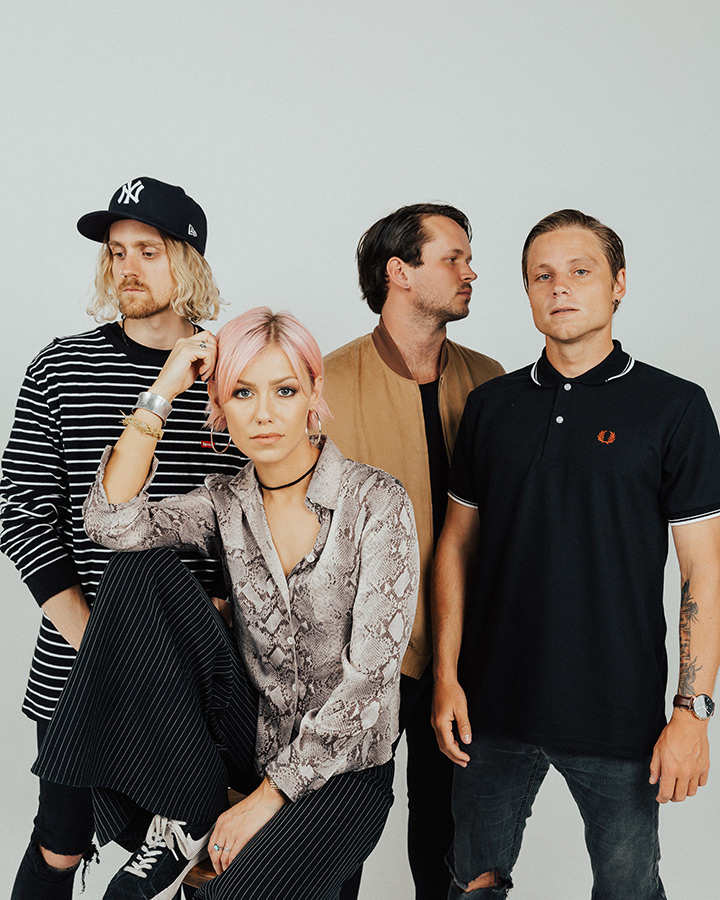 tonight alive - promo shot