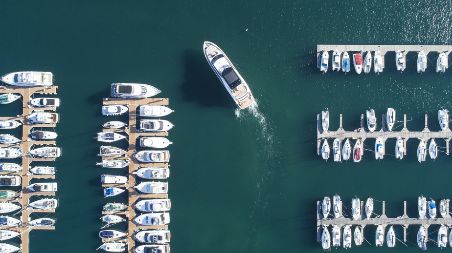 Yacht Sale / Brokerage - You'd like to sell your yacht? Use our international sales network and market your yacht properly.