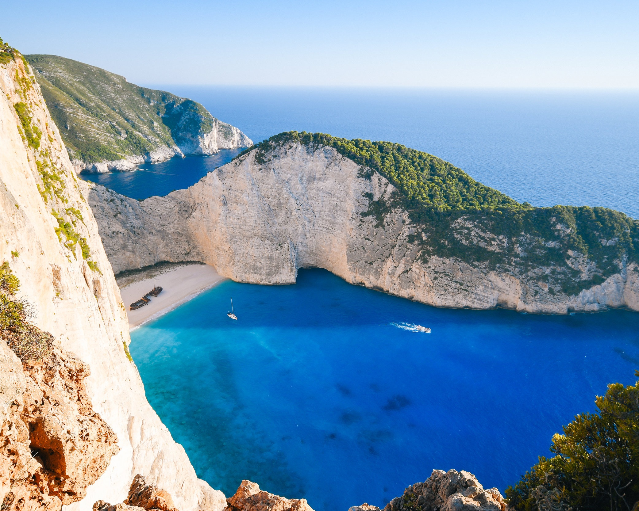 DESTINATION GREEK ISLANDS - Whether Dodecanese, Cyclades, or Ionian Islands - Greece is a true yachting paradise. The way is the goal: With over 14,000 km of coastline, several thousand uninhabited islands and 250 to 300 days of sunshine a year in Greece, everyone will find what he or she is looking for, whether idyll-seeking or in party mood. The individual, varied islands in Greece are very close to each other and are ideally explored by island hopping. Experience rocky stone coasts, golden sandy beaches and deserted coves as well as picturesque villages during your yacht trip. Take all the time to experience all the facets of the fascination in Greece.Discover amazing yachting destinations on our blog >>