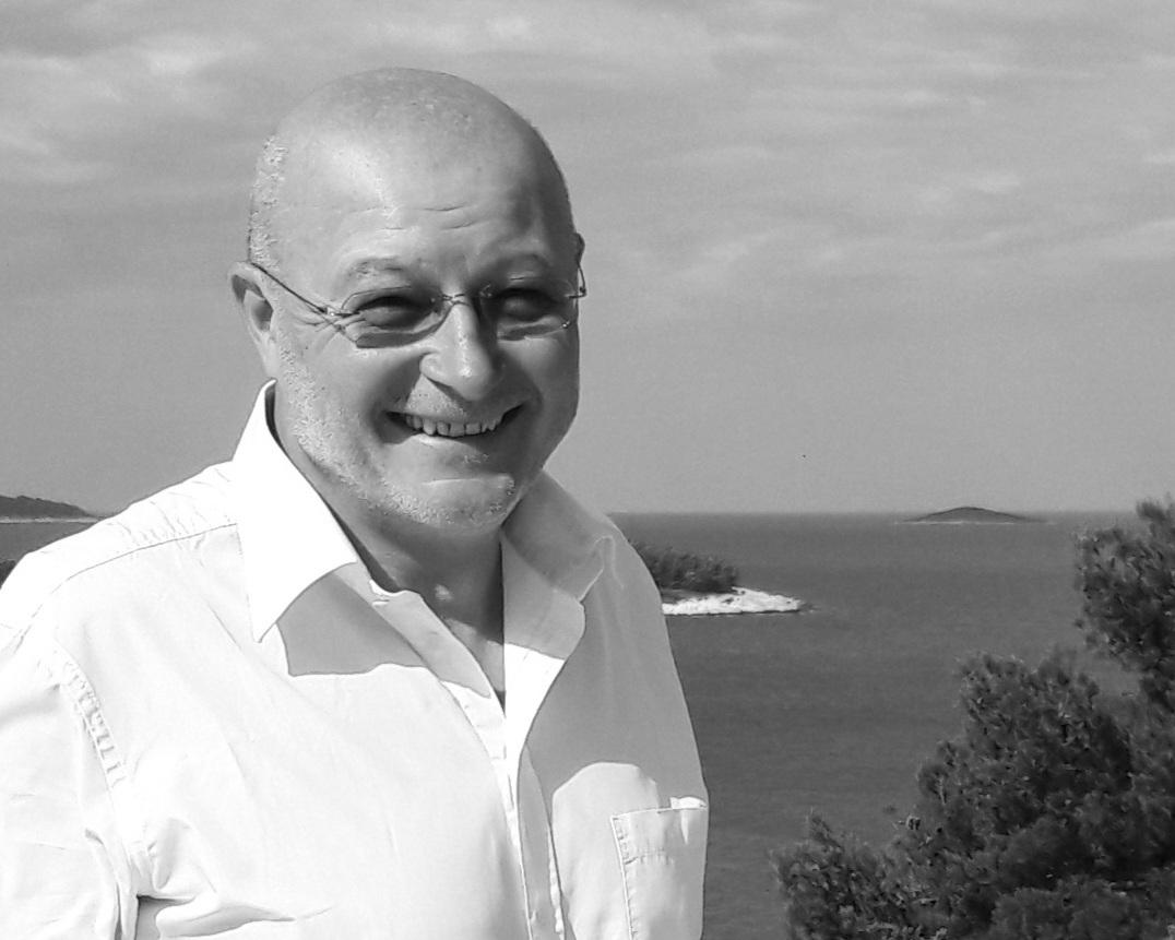 """""""SmartYacht verbindet Herzblut, Dynamik und Erfahrung gleichermaßen!"""" - GERHARD CHEMELLI, CEO & BOARD MEMBER"""