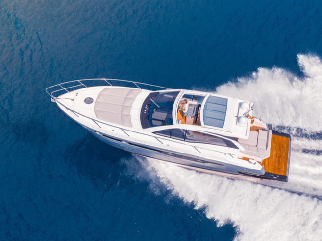 Selling shares in your yacht - A suitable co-owner can help you get back a large part of your investment and will also help permanently reduce the running costs of your yacht. Additionally, you'll be able to continue using your yacht just as before and will not have to concern yourself with anything.
